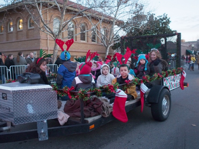 Holiday_Parade_2013_001